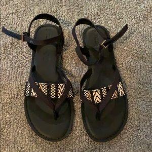 **NEVER WORN** Women's TOMS Sandals